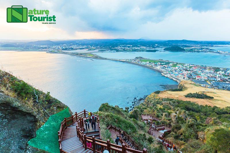 Thời tiết Hàn Quốc vào mùa hè nóng, ẩm, mưa nhiều